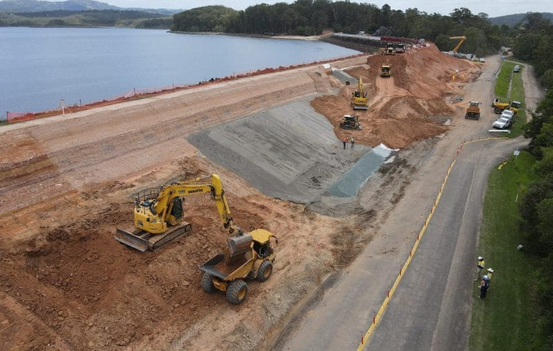 earthworks moving equipment at Ewen Maddock Dam