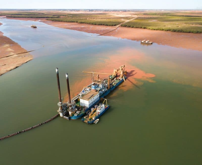 Lumsden Point capital dredging and remediation